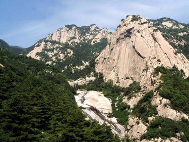 泰山 济南 临沂孟良崮春节五日游