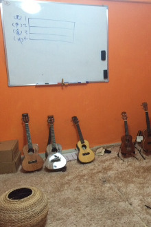 尤克里里(夏威夷四弦小吉他??)免费弹唱公开课