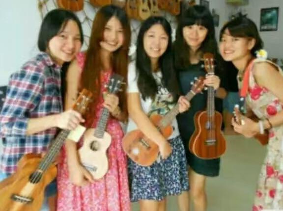 赣州市舞指音乐免费木电吉他教学公开课