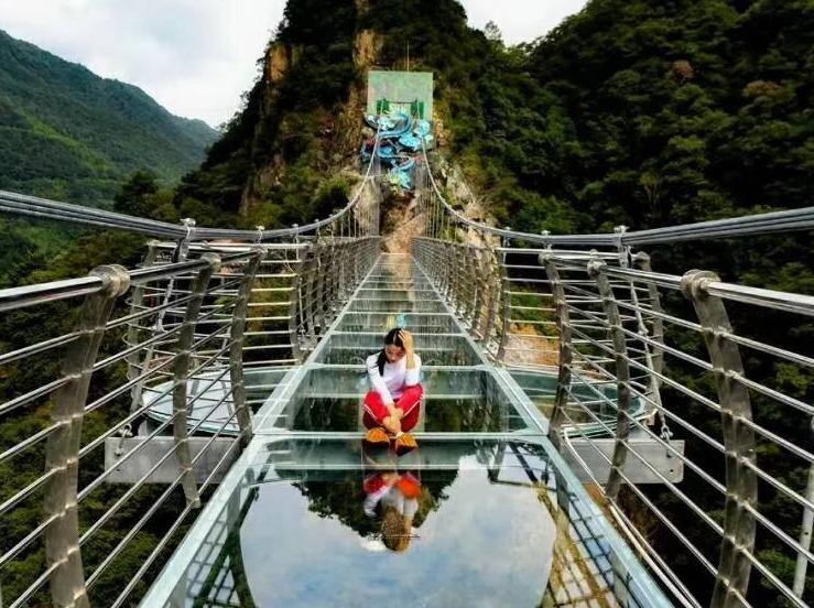 3月17日周日五龙潭景区遥望玻璃天桥