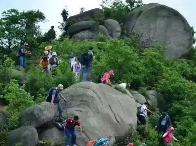 5月2日新昌小黄山看奇石、幽洞、险峰