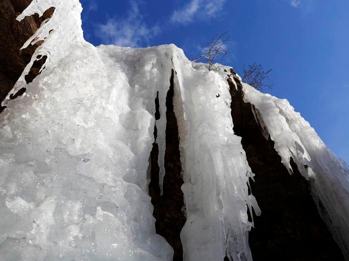 云端漫步——1月6号,卧龙大峡谷 赏冰瀑