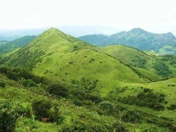 登昆明十峰之谷堆山