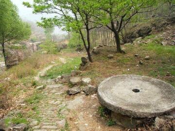 4月14号周日,出行辉县滴水寨爬山