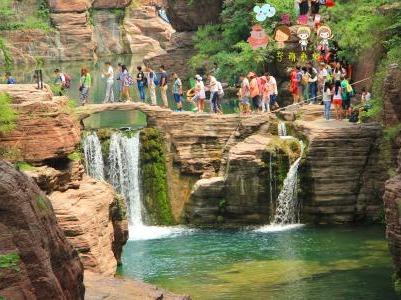 这个周末带你去红石峡避暑啦