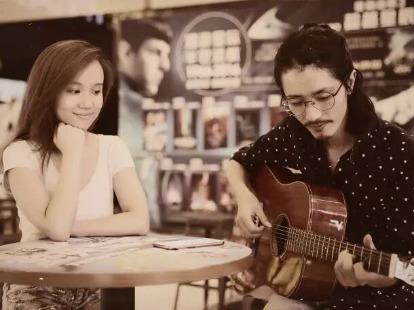 民谣吉他弹唱免费试听课