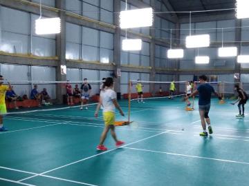 象湖新城羽毛球活动