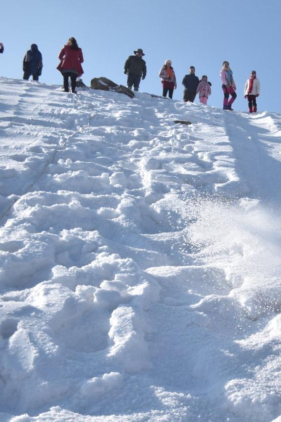 迎新春,去天然滑雪场,自由滑雪活动!