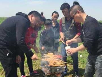 东山水库户外烧烤游