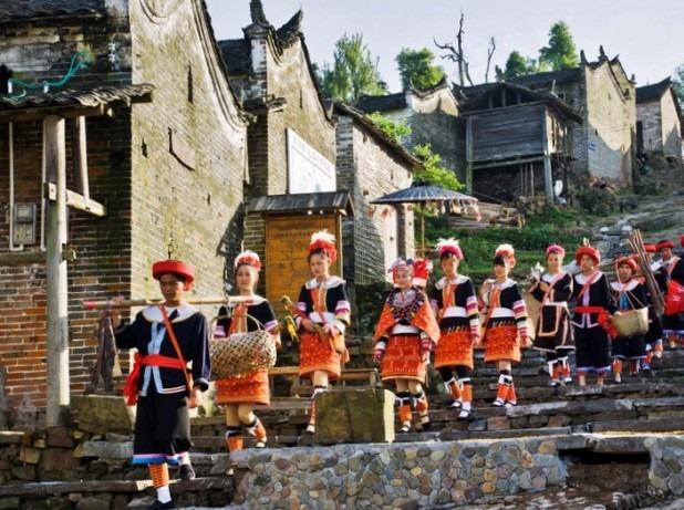 清远英西峰林徒步、千年瑶寨、瑶族篝火晚会