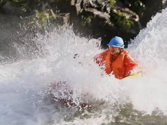 6月24-25日 湿身之旅-探洞溯溪漂流