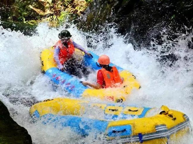 8月17日清远古龙峡漂流、浪尖上的过山车