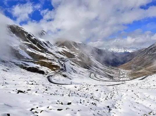 巴朗山赏初雪