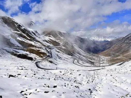 徒步巴朗山赏初雪