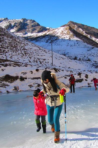 2月12日徒步穿越互助县泽林峡冰沟