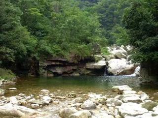 燕子河峡谷木屋别墅两日游