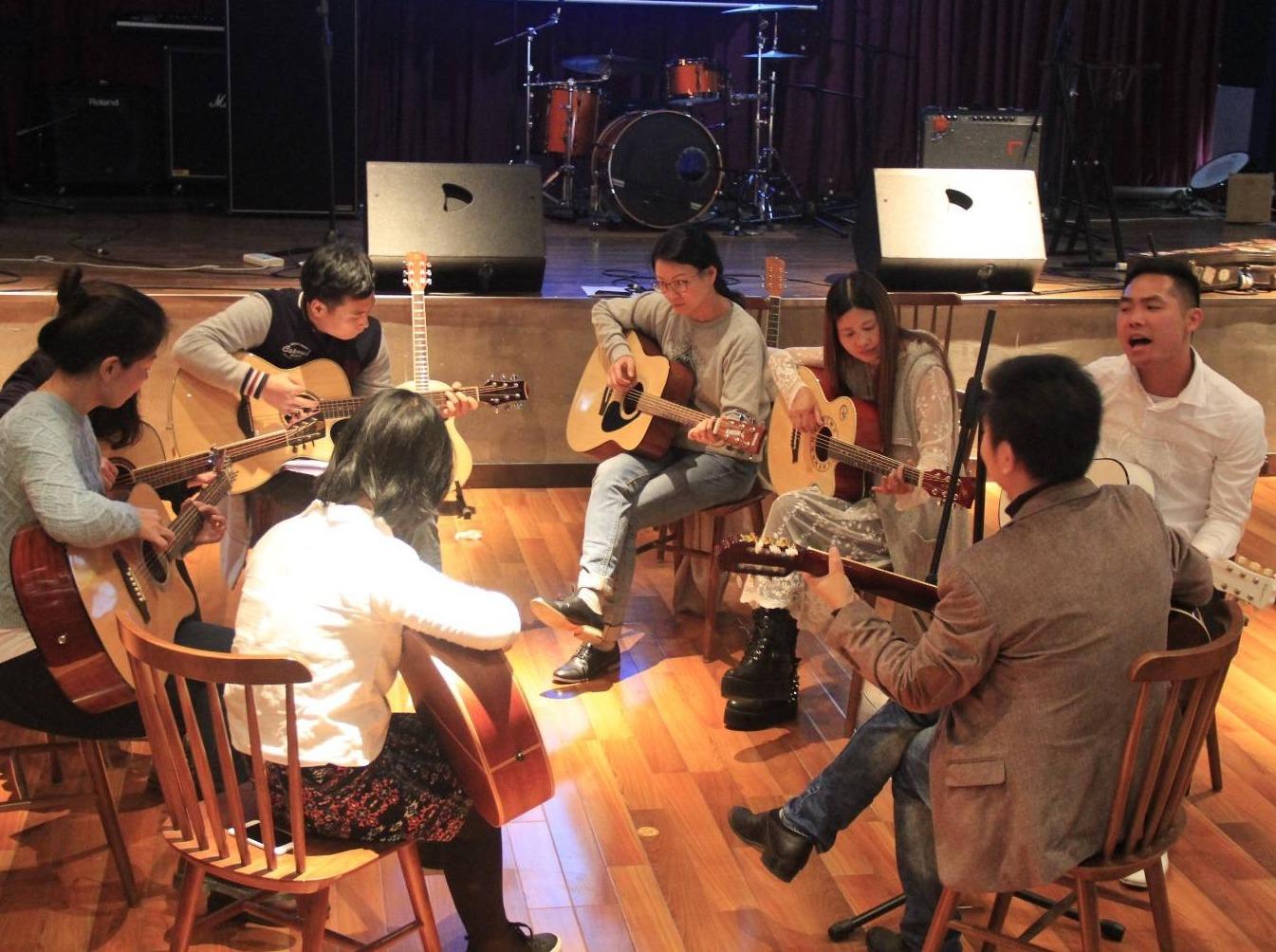 吉他公开课,让我们一起来体验乐器的魅力