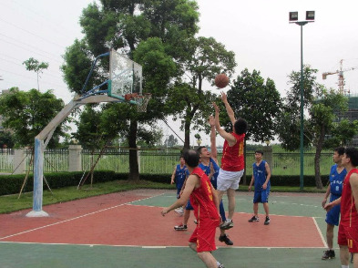 一起打篮球
