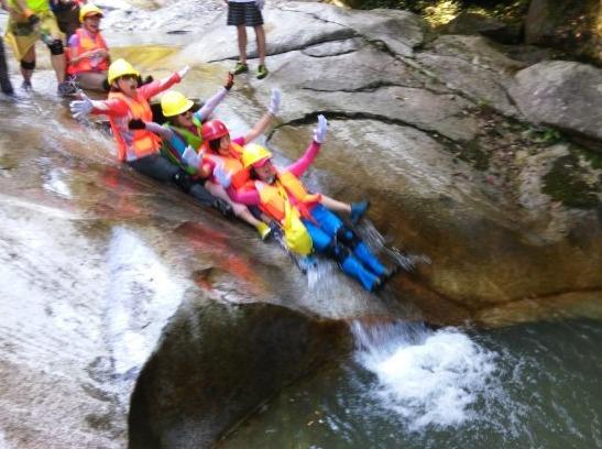浏阳金坑溯溪、抓鱼、跳潭初级溯溪活动