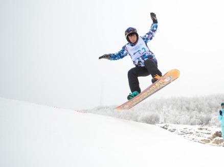 打卡网红酒店五峰国际滑雪场轻奢精品3日游