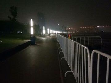 晚上滨江跑步