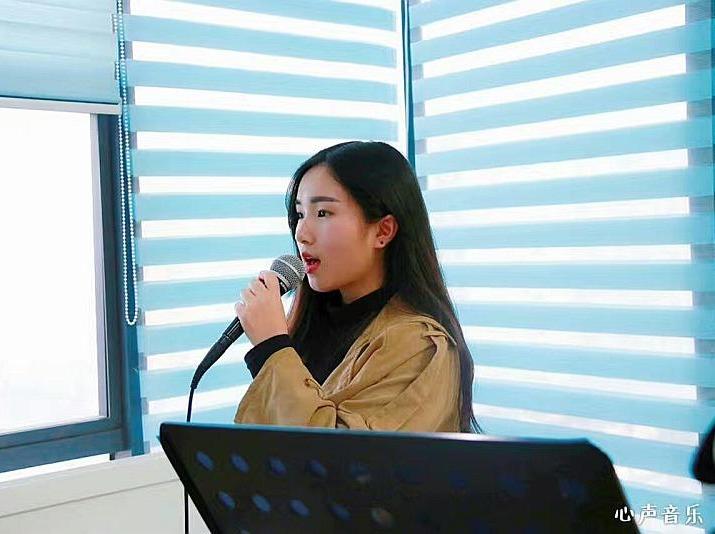 解决唱歌疑难问题-怎么唱歌好听的简单技巧