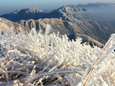 27-28武功山穿越冰雪草原