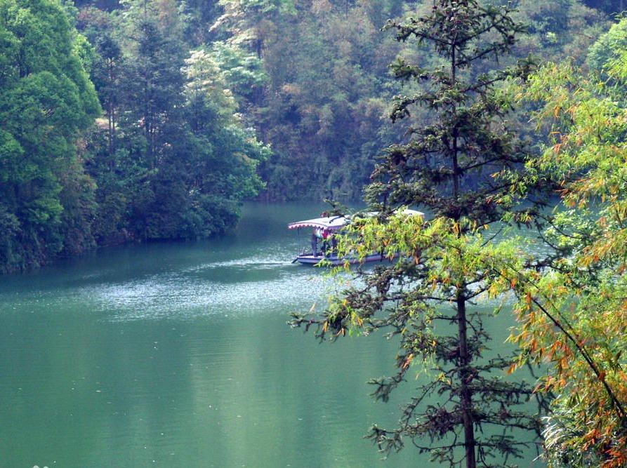 青龙湖徒步一日游