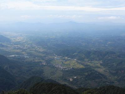 10月2日登高明茶山赏美景 品美味茶山鸡