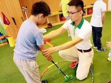 双语高尔夫免费体验