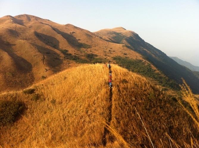 惠州大南山穿越黄金大草坡、云中漫步斧头石