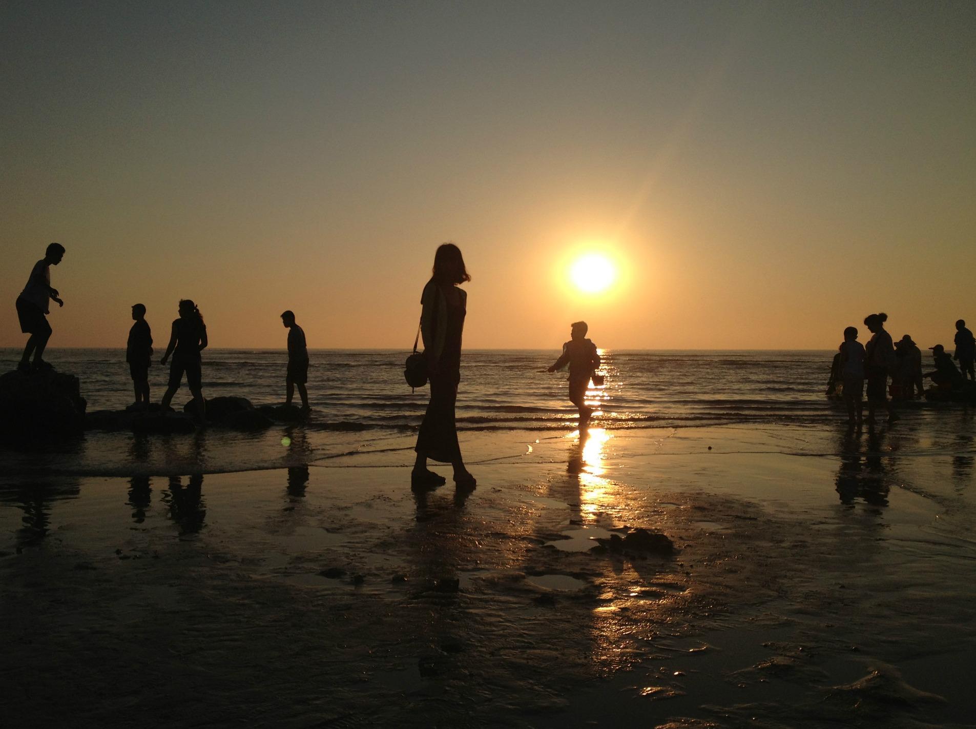 一起看海上日落吧