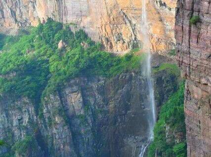 端午节看大自然神工鬼斧,观太行峡谷奇观。