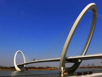 夜游南京眼步行桥活动