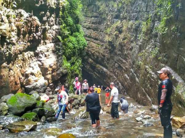 周六 范店一线天峡谷 清凉耍水、轻徒步