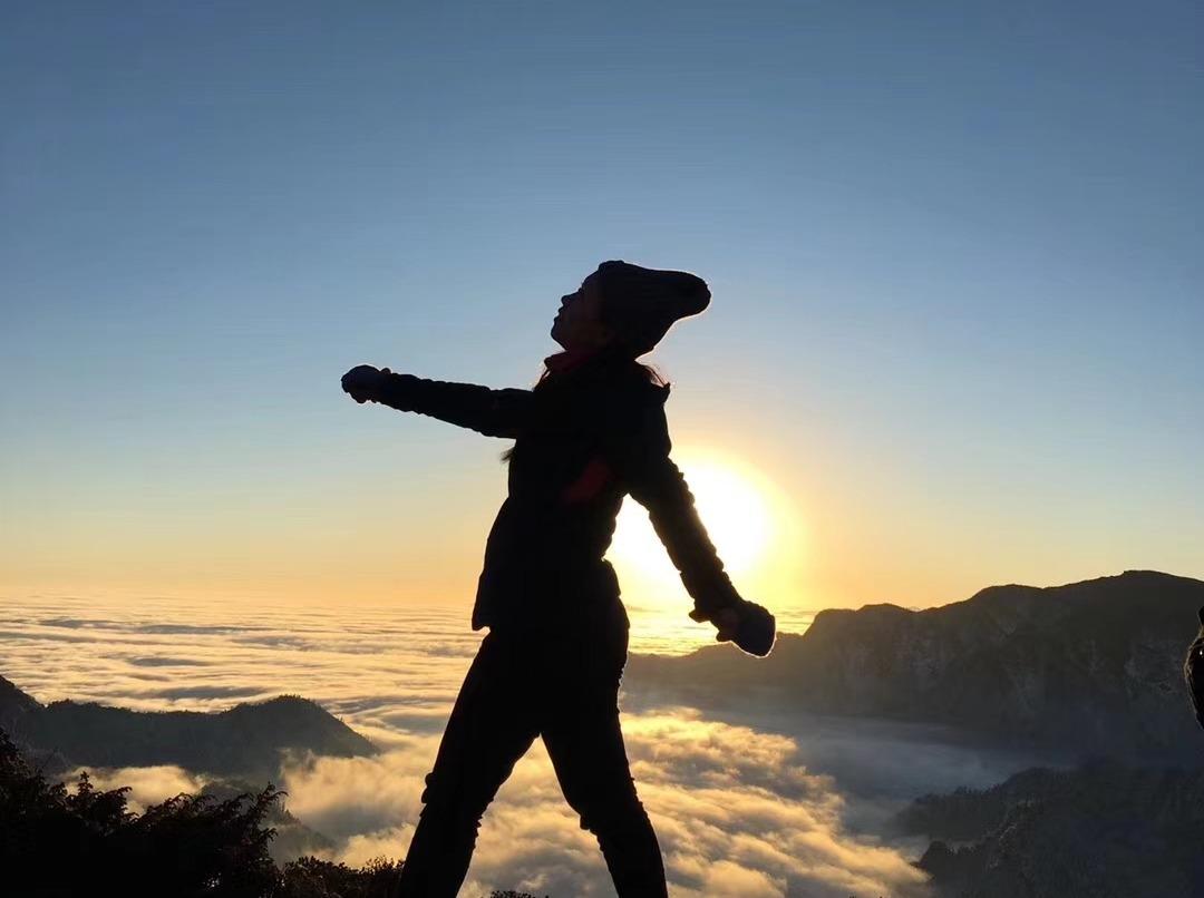 华尖山 徒步 观雪山日出云海 2日
