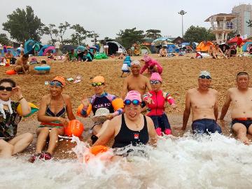周六一起去付家庄海滨浴场游泳锻炼