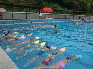 炎炎夏日,一起来游泳