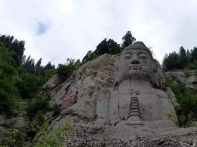 周日徒步游览青铜山第一大佛景区