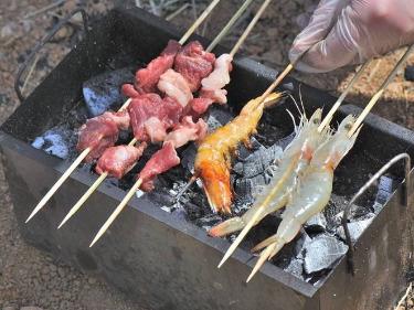 4月12日河口大桥野炊烧烤活动。