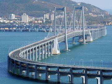 星海湾大桥滨海路徒步