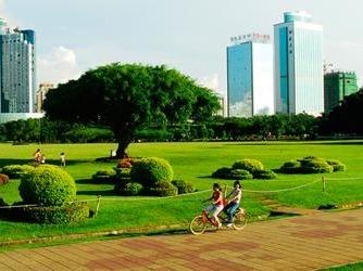 10月1日相约万绿园游玩