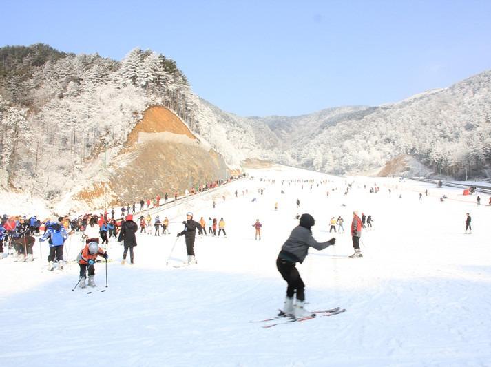 新年初体验:大明山滑雪;畅玩滑雪