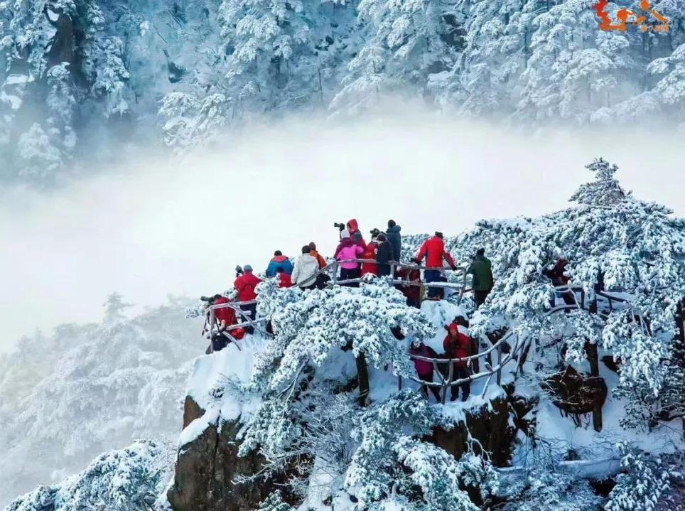 【周八】冰雪黄山-宏村-老街,住山上跨年