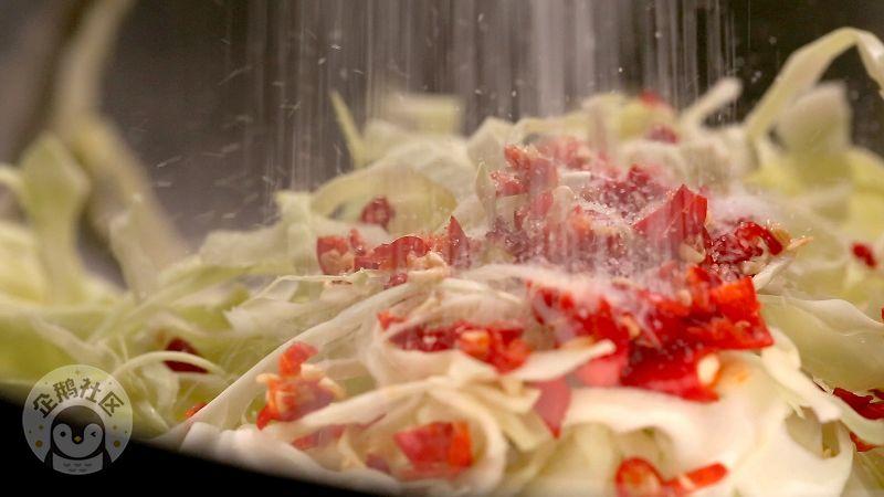 这样做莲花白,甜香微辣爽脆,有了它会让夏日没有胃口的你食欲大增